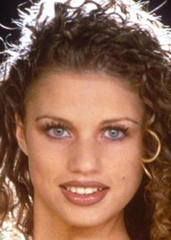 Katie Price ya da gösteri dünyasında tanındığı adıyla Jordan, yeniyemelik döneminden bu yana defalarca bıçak altına yattı.
