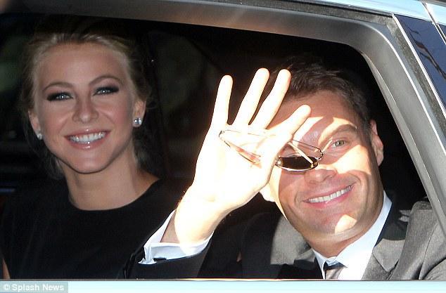 Keeping up with Kardashians şovunun yapımcısı Ryan Seacrest ve sevgilisi Julianne Hough davetliler arasındaydı.