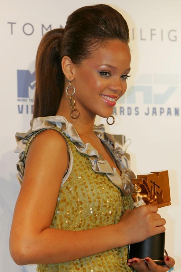 Saç cambazi Rihanna - 47