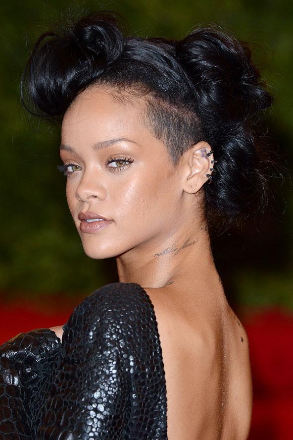Rihanna 2012 Met-Galası'nda.