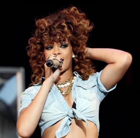 Rihanna konserlerinden görüntüler.. - 7