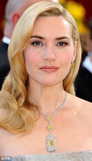 Yanıp kül olan malikanede Oscar ödüllü Hollywood güzeli Kate Winslet'in de bulunduğu bildirildi.