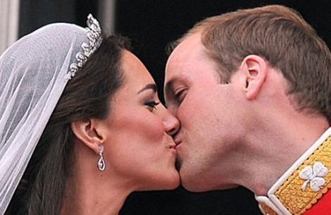 Yılın düğününün kahramanları Kate Middleton ile Prens William da balayına çıkmak için bir süre beklediler.