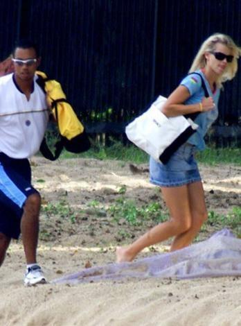 Tiger Woods ve Elin Nordegren balayı için Barbados'a gittiler. Ama çiftin evliliği Woods'un aldatmaları yüzünden çabuk bitti.