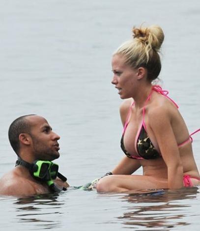 Kendra Wilkinson ve Hank Baskett balayı için Karayipler'i seçen ünlülerdendi.