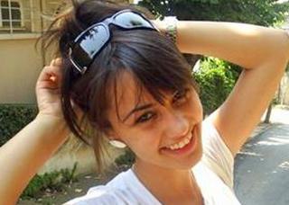 HANDE SORAL  Küçük Kadınlar'ın yıldızı 1987 doğumlu.