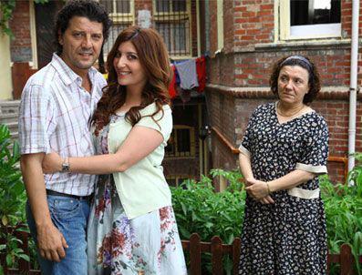 BİZİM YENGE  Başrollerini Şebnem Bozoklu ve İlker Aksum'un paylaştığı dizi Kanal D ekranlarında izleyici ile buluşuyor.