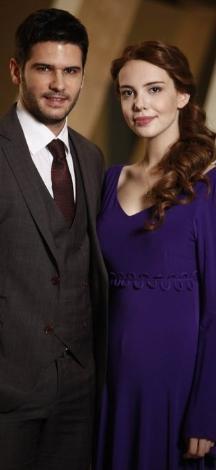 LALE DEVRİ  Show Tv'den Fox Tv'ye transfer olan Lale Devri yeni sezonu geçtiğimiz cumartesi günü açtı.