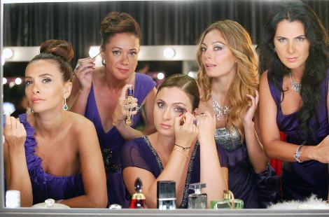 UMUTSUZ EV KADINLARI   Kanal D'nin yeni sezondaki iddialı dizilerinden biri de Umutsuz Ev Kadınları.