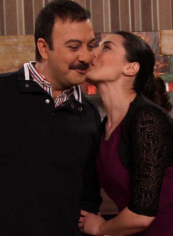 YAHŞİ CAZİBE  Geçtiğimiz sezonun başarılı dizilerinden Yahşi Cazibe, yayın hayatına yeni sezonda kaldığı yerden devam ediyor.