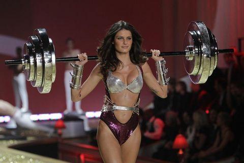 Victoria's Secret çok yakında sevenleri için Türkiye'ye geliyor. Defileleri tüm dünyada dört gözle beklenen Victoria's Secret Türkiye'de mağaza açıyor.