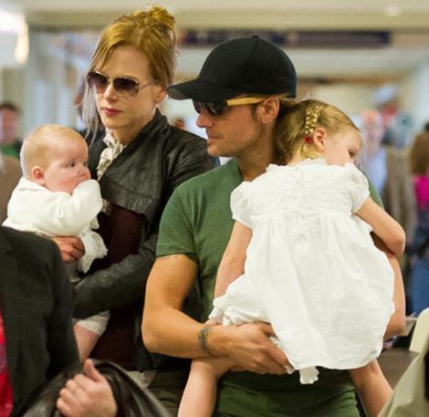 Kidman ve eşi Keith Urban bir süre önce taşıyıcı anne yöntemiyle ikinci bebeklerine kavuştu.