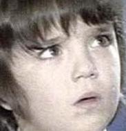 Ama dönemin sinemaseverlerinin gönlünde 1974 Kıbrıs çıkarmasını konu alan Sezercik Küçük Mücahit filmindeki rolüyle taht kuran Sezercik'in hayatı yetişkinliği döneminde çok farklı bir yola girdi. Bir kaç filmin yapımcılığını üstlendiyse de sinemada eski parlak günlerine bir türlü dönemedi.Eşinin intiharı ise onun hayatında farklı bir dönüm noktası oldu.   Sezer İnanoğlu ya da pek çok kişinin hafızalarındaki adıyla Sezercik daha sonra polisiye olaylarla gündeme geldi. Önce evinde uyuşturucu bulundu. Ardından polisle çatışmaya girdi. Evinde ve ofisinde aüeşli silahlar bulundu.Eski Türk filmlerinin o masum yüzlü çocuğu Hollywood aksiyonlarındaki kötü adama dönüştü .