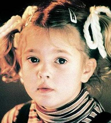 Barrymore bugün 30'lu yaşlarında ve oyunculuk kariyerini sürdürüyor.