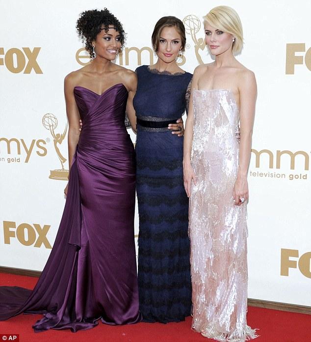 Charlie's Angels dizisinin yıldızları Annie Ilonzeh, Minka Kelly ve Rachael Taylor.