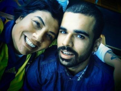 Geçtiğimiz aylarda fotoğrafçı Sedat Doğan ile evlenen ünlü şarkıcı Işın Karaca, önceki gece saat 02.20'de Gayrettepe'deki Florence Nightingale Hastanesi'nde doğum yaptı.   3 kilo ağırlığında, 49 cm. uzunluğunda doğan kız bebeğe 'Sasha Mia' ismi verildi.
