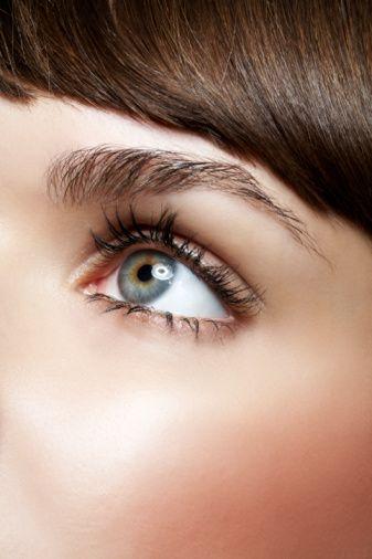Yanlış: Katarakt bir gözden diğer göze geçebilir.  Doğru: Katarakt bir gözden diğerine geçmez ancak çoğunlukla çift taraflıdır.