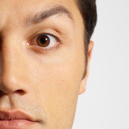 Yanlış: Tuzlu yemekler göz sağlığını olumsuz etkiler.  Doğru: Tuz, hipertansiyon gibi bazı hastalıklar üzerinde olumsuz etki yapabilir ama göz sağlığı üzerine olumsuz etkisi yoktur.