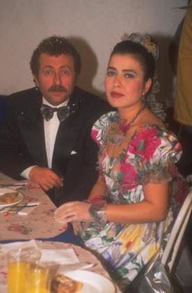 İlk zamanlarda ana karakterleri Erkan Can ile Aydan Burhan canlandırdı.