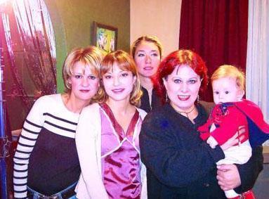Aile ilişkilerini konu alan dizinin tekrar bölümleri hala bir kanalda yayınlanıyor.
