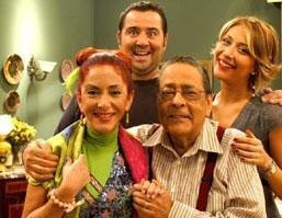AVRUPA YAKASI   Türkiye'de ekranların en uzun süre yayınlanan komedi dizilerinden bir Avrupa Yakası.