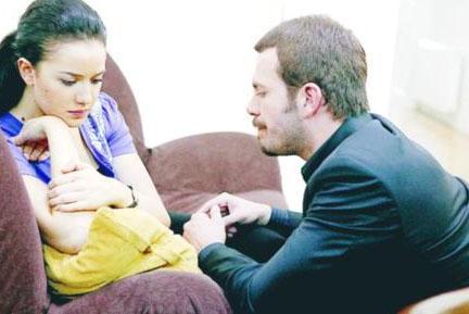Reşat Nuri Güntekin'in eserinden günümüze uyarlanan dizinin ekran serüveni 2006 yılında başladı.