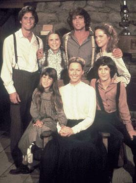 KÜÇÜK EV   Ülkemizde Küçük Ev adıyla yayınlanan Little House on the Prairie 1974 yılında yayınlanmaya başlandı.