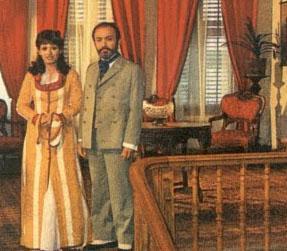 SADECE ALTI BÖLÜM SÜRDÜ  Halit Refiğ'in Halid Ziya Uşaklıgil'in aynı adlı eserinden 1974 yılında uyarladığı Aşk-ı Memnu Türkiye'nin ilk yerli dizisi olma özelliğini taşıyor.