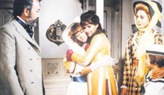 TRT'nin tek kanallı ve siyah- beyaz yayın yaptığı dönemde çekilen dizi 6 bölüm olarak ekrana gelmişti.   (Hürriyet)