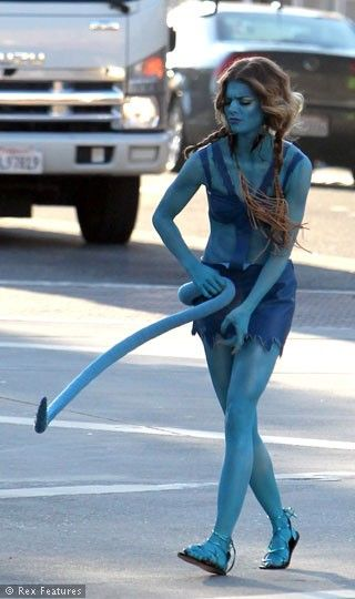 Geçen hafta People's Choice Ödüllerini töreninde gazetecilere konuşan genç yıldız, 90210 dizisinde Avatar kostümüyle rol alacağını açıklamıştı.