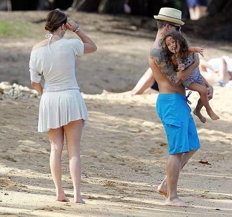 Jennifer Lopez, dansçı sevgilisi ve çocuklarıyla tatile çıktı, eski eşi Marc Anthony küplere bindi.