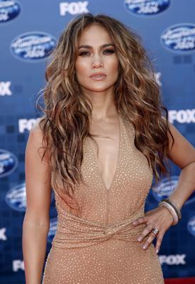 Jennifer Lopez Porto Riko kökenli.