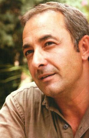 Samsunlu ünlülerden biri de Mehmet Aslantuğ.