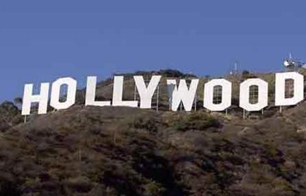 HOLLYWOOD YILDIZLARI ASLINDA NERELİ  Çoğu ABD doğumlu, hepsi Hollywood'da kariyer yaptı. Ama çoğunun dedeleri ya da büyük dedeleri başka topraklardan ABD'de göç etti. Bakın Hollywood'un ünlü yıldızları aslında nereli..