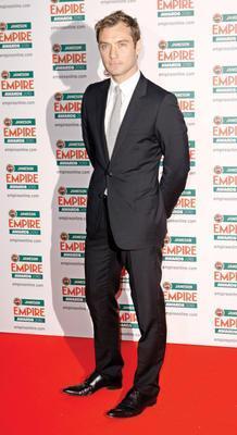 Jude Law Londra doğumlu.