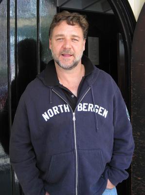 Russell Crowe Yeni Zelandalı.