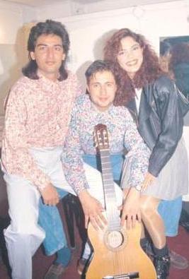 İZEL- ÇELİK ERCAN  İzel Çeliköz, Ercan Saatçi ve Çelik Erişçi'nin kurduğu bu üçlü 1990'ların başında Türk pop müziğinde fırtına gibi esiyordu.