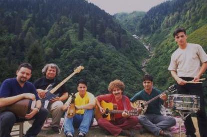 İlk albüm Buğdayın Türküsü 1979'da piyasaya çıktı.