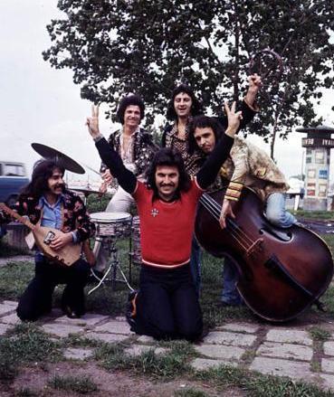 ERSEN VE DADAŞLAR   Onlar da bir döneme damgasını vuran Anadolu rock gruplarından biriydi.