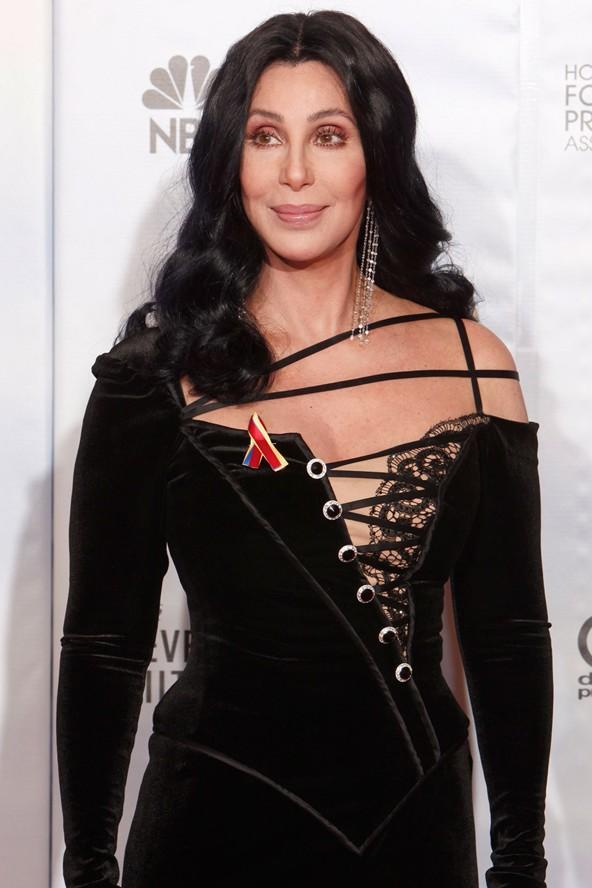 Cherilyn Sarkisian adını kısaltarak Cher oldu.