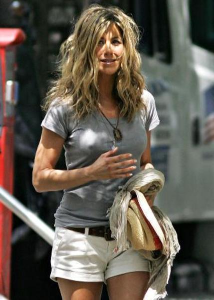İşte yaşını almasına rağmen oldukça güzel ve seksi görünen Jennifer Aniston'ın görüntüleri...