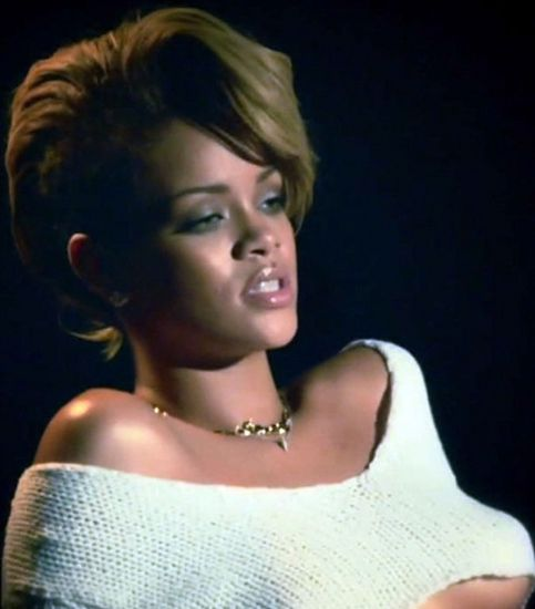 Rihanna kapak kızı oldu - 1