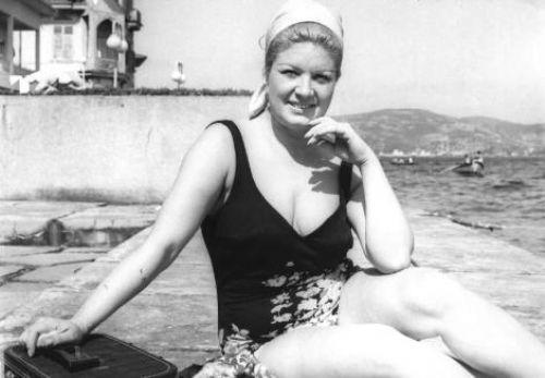 Türk Sinemasında erkeksi-kadın imgesinin uzun yıllar sürecek bir modaya dönüşmesine de öncülük eden Köksal, geçmişten günümüze en çok taklit edilen isimlerden biri olmayı başardı.