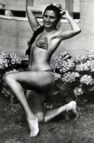 Meslek hayatı boyunca kadın ve erkek hayranlarının yakın markaj altında tuttuğu Nükhet Duru, güzelliği ile her daim dikkatleri üzerine çekmeyi başardı. Duru'nun verdiği pozlar, bir çok ünlü isme ilham kaynağı oldu.