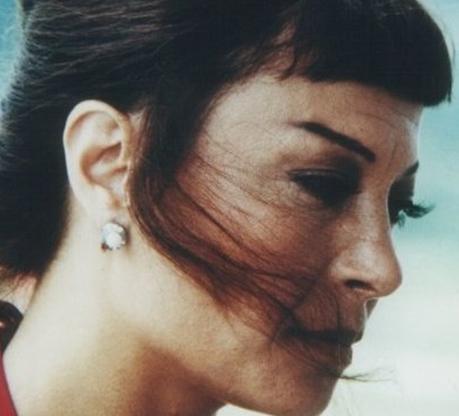 1965 doğumlu Semra Dinçer, ekrandaki kariyerine 1984'te Köşe Dönücü ile başladı.