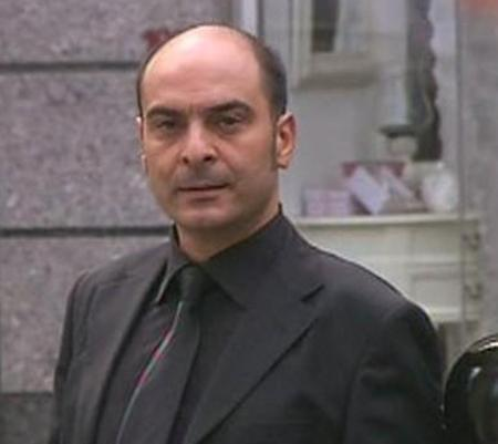 Hırsız Polis dizisinde hırsız Mavi'nin sorunlu ağabeyi Ali Rıza'yı oynadı. Bu rolle geniş kitlelerce tanındı.   2005'te eşi Özlem Daltaban ve Süha Bilal'le birlikte DOT'u kurdu.   Daltaban, şu sıralar Fatmagül'ün Suçu Ne dizisinde avukat Münir Bey'i canlandırıyor.