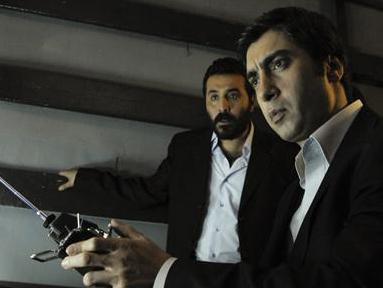 TERÖRİSTİ SEMPATİK GÖSTERİYORSUNUZ  Ekranların en çok izlenen dizilerinden Kurtlar Vadisi Pusu'nun öne çıkan karakterlerinden biriydi Mustafa Üstündağ'ın oynadığı Muro.