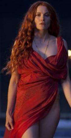 Dizinin bazı sahneleri Hollanda'da ekrana getirilmeyip sansürlendi. Başrollerinden birinde bir dönem ülkemizde yayınlanan Zeyna dizisinde de rol alan Lucy Lawless'ın oynadığı dizide senatörlere, köylülerden memurlara sürekli bir seks ayini, seks ritüeli yapılıyor.   Bu durum tarihçileri de kızdırdı. Bazı tarihçiler seksin Roma döneminde önemli bir zaman geçirme aracı olduğunu söylerken, bazıları ise dizinin Roma'yı bu şekilde göstermesinden rahatsız olduklarını dile getirdiler.