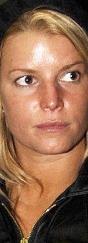 Jessica Simpson doğal haliyle böyle görünüyor.