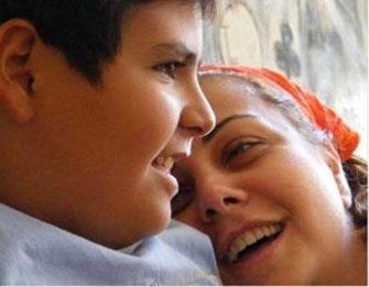 Dilligil en çok oğluyla çekilen fotoğraflarını paylaşıyor.